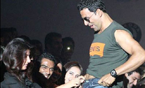 HC asks police to prosecute Akshay-Twinkle for obscenity